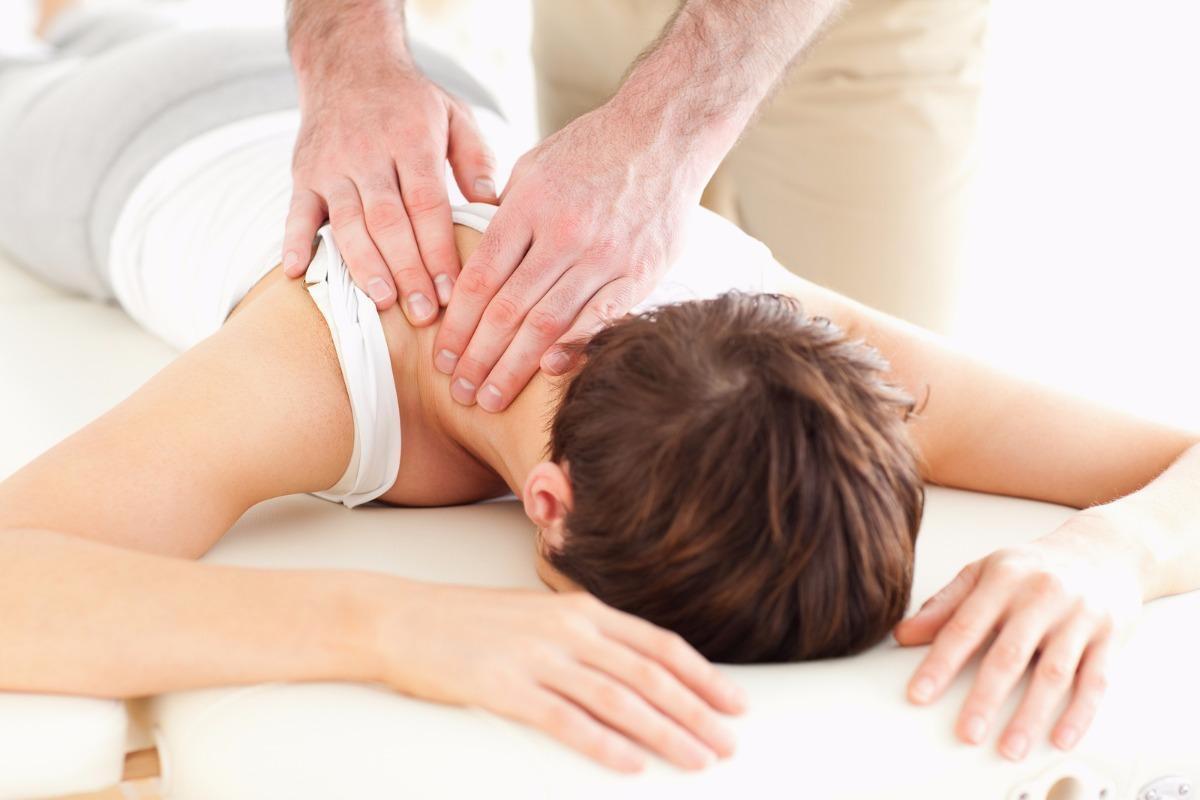 Omaha women getting chiropractic care