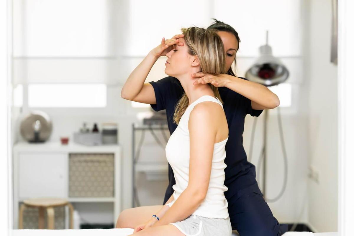 chiropractor for headache relief