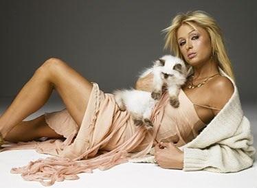 Paris_Hilton_with_cat.jpg